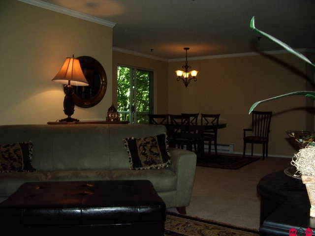 Photo 6: # 113 2130 MCKENZIE RD in Abbotsford: Central Abbotsford Condo for sale : MLS® # F2923720