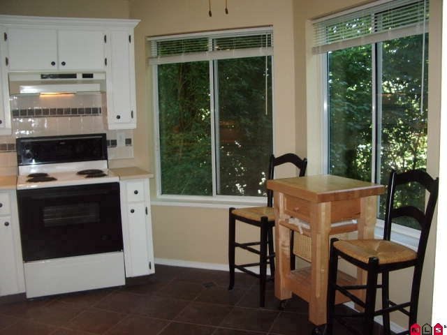Photo 4: # 113 2130 MCKENZIE RD in Abbotsford: Central Abbotsford Condo for sale : MLS® # F2923720