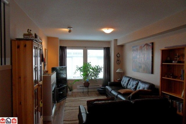 Main Photo: # 32 19448 68TH AV in Surrey: Condo for sale : MLS(r) # F1108299
