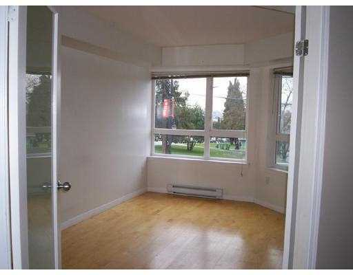 Photo 4: 208 1707 CHARLES ST in Vancouver: Grandview VE Condo for sale (Vancouver East)  : MLS(r) # V569593
