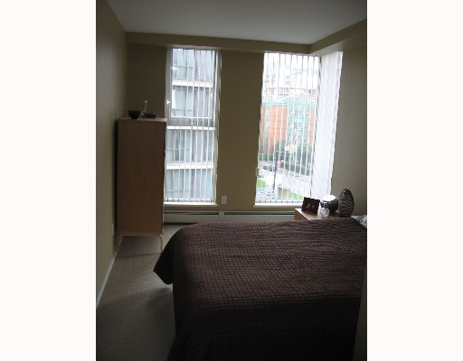 "Photo 5: 608 1008 CAMBIE Street in Vancouver: Downtown VW Condo for sale in ""WATERWORKS"" (Vancouver West)  : MLS(r) # V636812"