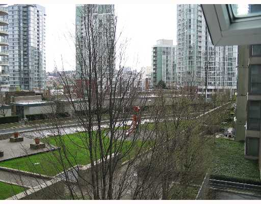 "Photo 8: 608 1008 CAMBIE Street in Vancouver: Downtown VW Condo for sale in ""WATERWORKS"" (Vancouver West)  : MLS(r) # V636812"