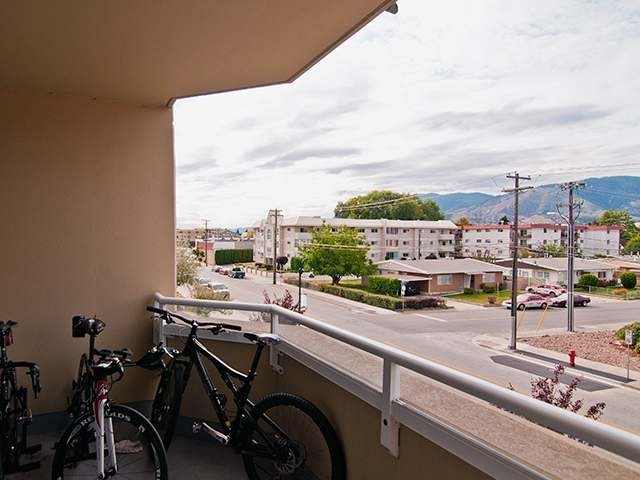 Photo 7: 160 LAKESHORE DRIVE W in Penticton: Other for sale (303)  : MLS(r) # 112357