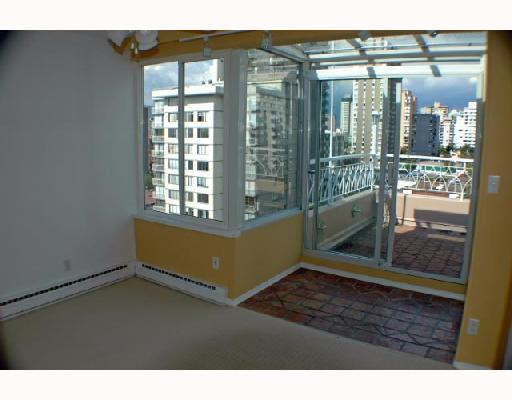 "Photo 7: 1202 1219 HARWOOD Street in Vancouver: West End VW Condo for sale in ""THE CHELSEA"" (Vancouver West)  : MLS(r) # V663040"