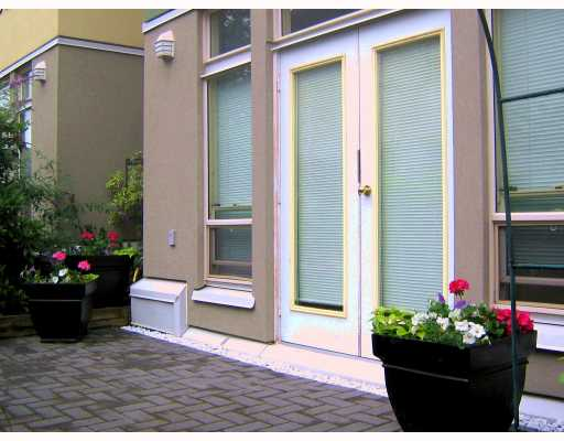 "Photo 3: 1680 E 4TH Avenue in Vancouver: Grandview VE Townhouse for sale in ""LA CASA"" (Vancouver East)  : MLS(r) # V660606"