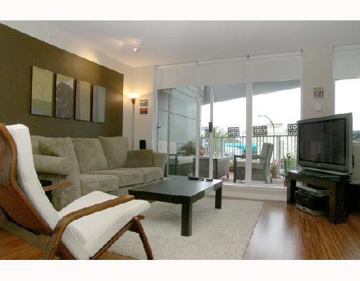 "Main Photo: 203 328 E 11TH Avenue in Vancouver: Mount Pleasant VE Condo for sale in ""UNO"" (Vancouver East)  : MLS® # V662395"