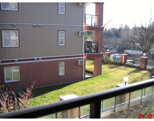 "Photo 7: 210 19730 56TH Avenue in Langley: Langley City Condo for sale in ""MADISON PLACE"" : MLS® # F2801819"