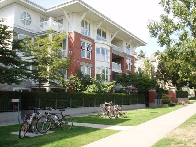 Main Photo: #405-1868 West 5th Ave in Vancouver: Kitsilano Condo for sale (Vancouver West)  : MLS® # V728169