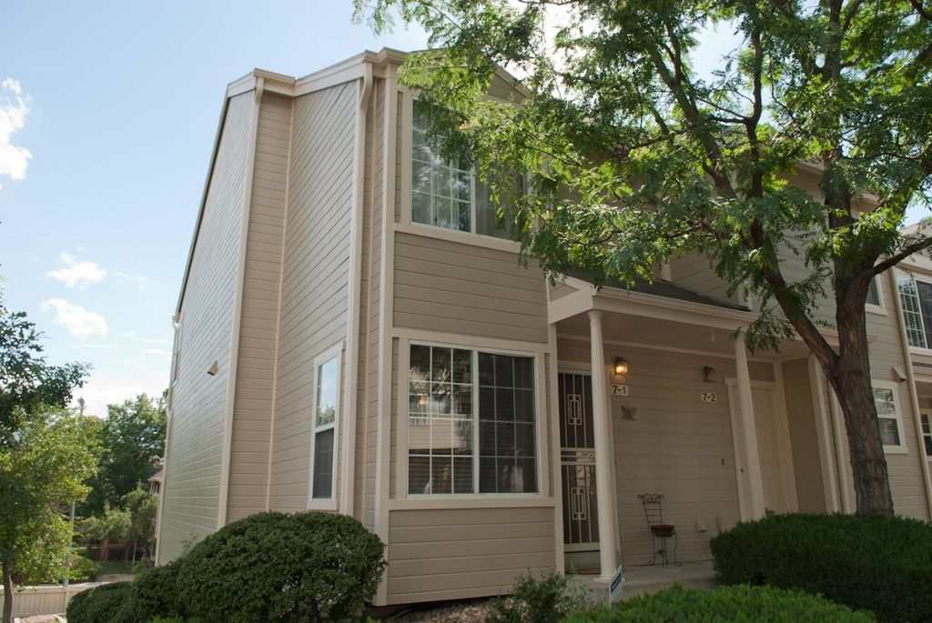 Main Photo: 1818 S Quebec Way 7-B7-1 in Denver: Residential Attached for sale : MLS® # 922175