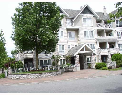 "Main Photo: 416 19091 MCMYN Road in Pitt Meadows: Mid Meadows Condo for sale in ""MCMYN MEWS"" : MLS®# V649477"