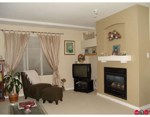"Main Photo: 8 6651 203RD Street in Langley: Willoughby Heights Townhouse for sale in ""Sunscape"" : MLS® # F2727651"