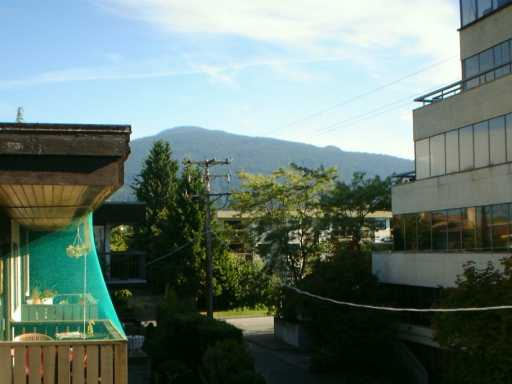 "Photo 5: 302 1610 CHESTERFIELD AV in North Vancouver: Central Lonsdale Condo for sale in ""CANTERBURY HOUSE"" : MLS(r) # V606370"