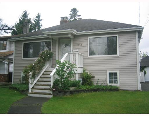 Photo 1: 2121 LONDON Street in New_Westminster: VNWCH House for sale (New Westminster)  : MLS® # V713566