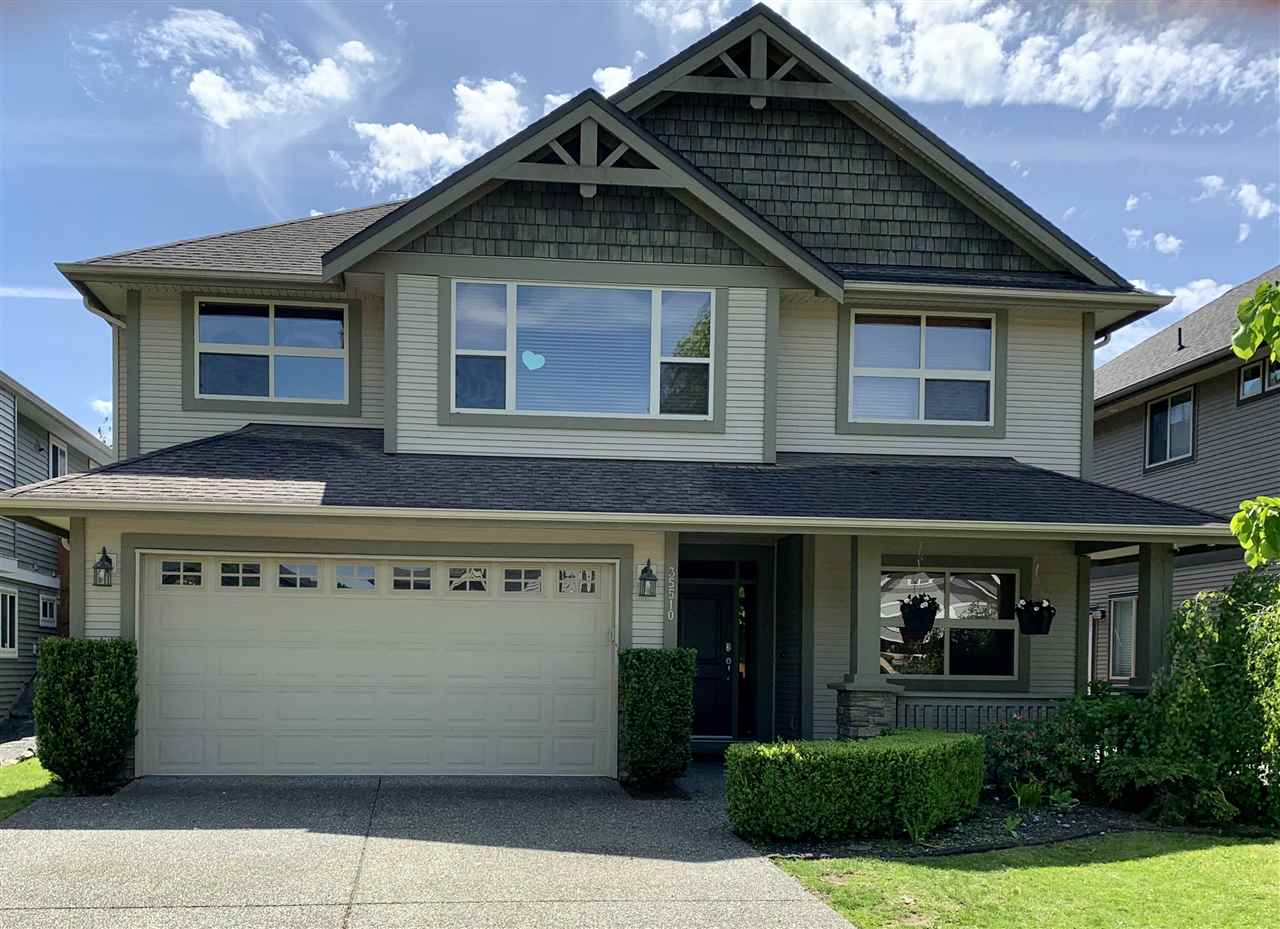 FEATURED LISTING: 35510 SHEENA Place Abbotsford