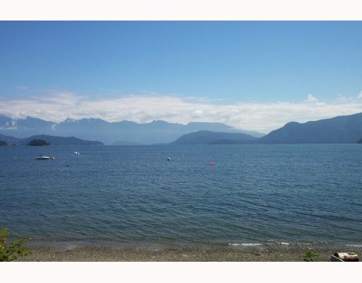 Main Photo: 1170 POINT Road in Gibsons: Gibsons & Area House for sale (Sunshine Coast)  : MLS® # V662380