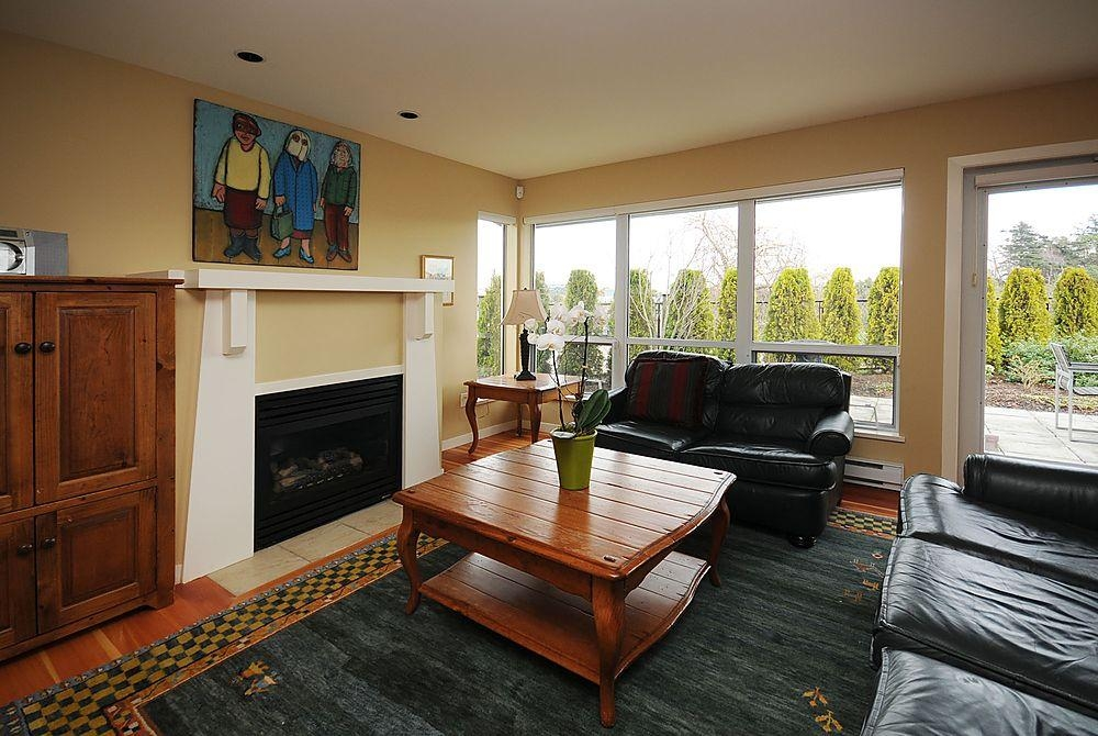 Photo 3: 795 Central Spur Rd in Victoria: Residential for sale (10)  : MLS® # 274211