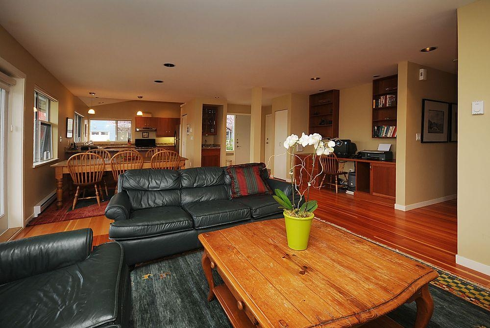 Photo 4: 795 Central Spur Rd in Victoria: Residential for sale (10)  : MLS® # 274211