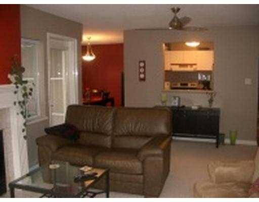 "Photo 9: 101 55 BLACKBERRY Drive in New Westminster: Fraserview NW Condo for sale in ""QUEENS PARK"" : MLS(r) # V641994"