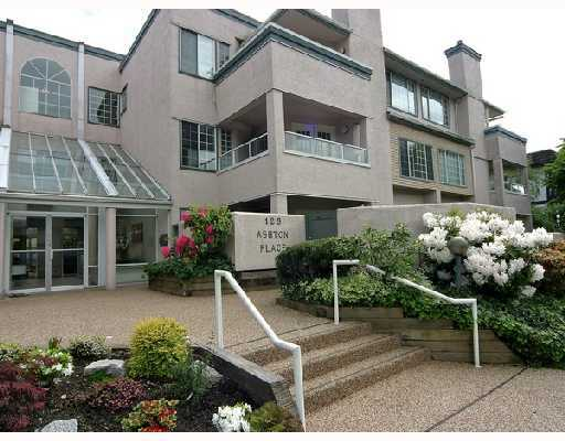 "Main Photo: 209 125 W 18TH Street in North_Vancouver: Central Lonsdale Condo for sale in ""ASHTON PLACE"" (North Vancouver)  : MLS® # V701286"