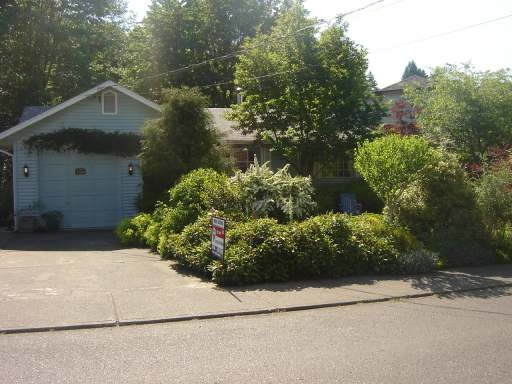 Main Photo: 1460 EMBLETON CRES in COURTENAY: Residential Detached for sale : MLS®# 258298
