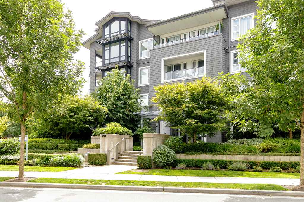 FEATURED LISTING: 203 - 550 SEABORNE Place Port Coquitlam