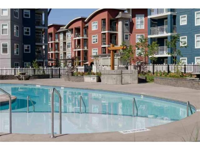 Main Photo: 201 567 Yates Road in Kelowna: North Glenmore Apartment Unit for sale : MLS® # 10001292