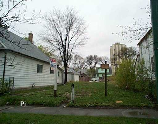 Main Photo: 456 MANITOBA Avenue in WINNIPEG: North End Vacant Land for sale (North West Winnipeg)  : MLS® # 2707011