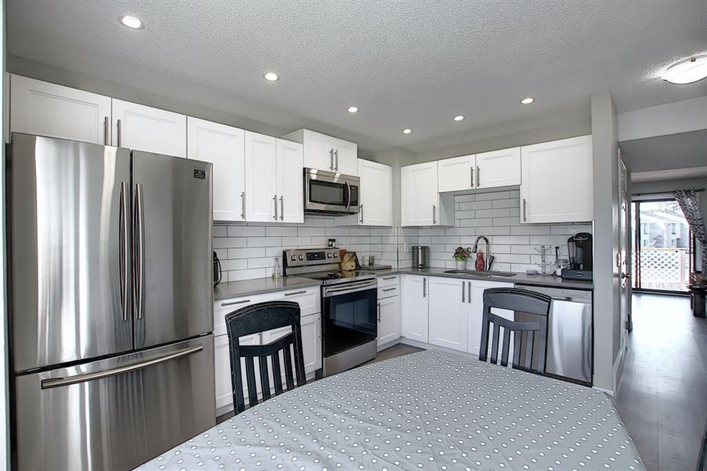 FEATURED LISTING: 901 - 700 ALLEN Street Southeast Airdrie
