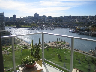 "Main Photo: 638 BEACH Crescent in Vancouver: False Creek North Condo for sale in ""ICON"" (Vancouver West)  : MLS® # V618693"