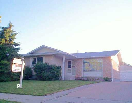 Main Photo: 1409 CHANCELLOR Drive in Winnipeg: Fort Garry / Whyte Ridge / St Norbert Single Family Detached for sale (South Winnipeg)  : MLS® # 2609413