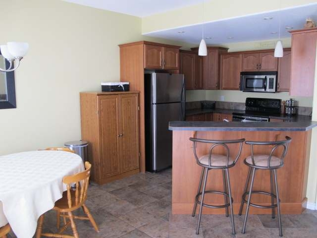 Photo 2: 469 YOUNG STREET in Penticton: Other for sale (102)  : MLS(r) # 134962
