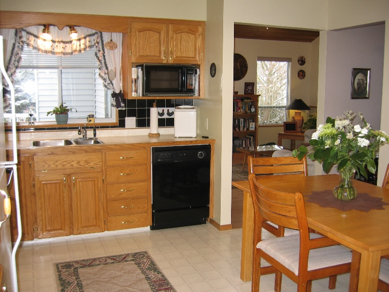 "Photo 4: 6337 130B Street in Surrey: Panorama Ridge House for sale in ""Panorama Park"" : MLS(r) # F2808649"