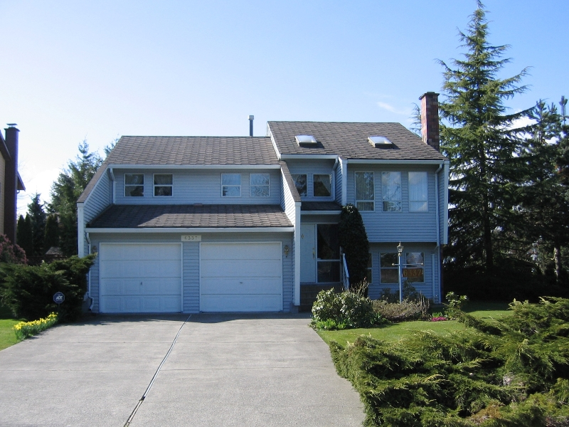 "Photo 1: 6337 130B Street in Surrey: Panorama Ridge House for sale in ""Panorama Park"" : MLS(r) # F2808649"