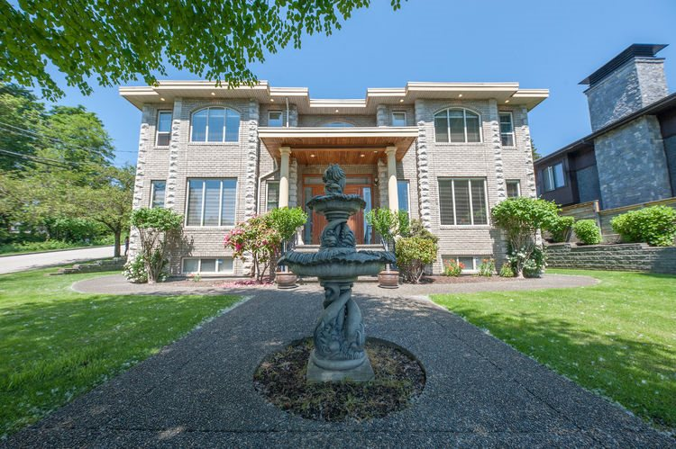 FEATURED LISTING: 4411 CARSON Street Burnaby