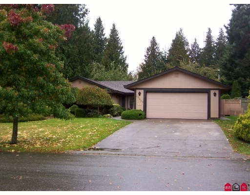 "Main Photo: 13253 AMBLE GREENE Court in White_Rock: Crescent Bch Ocean Pk. House for sale in ""Amble Greene"" (South Surrey White Rock)  : MLS® # F2800291"