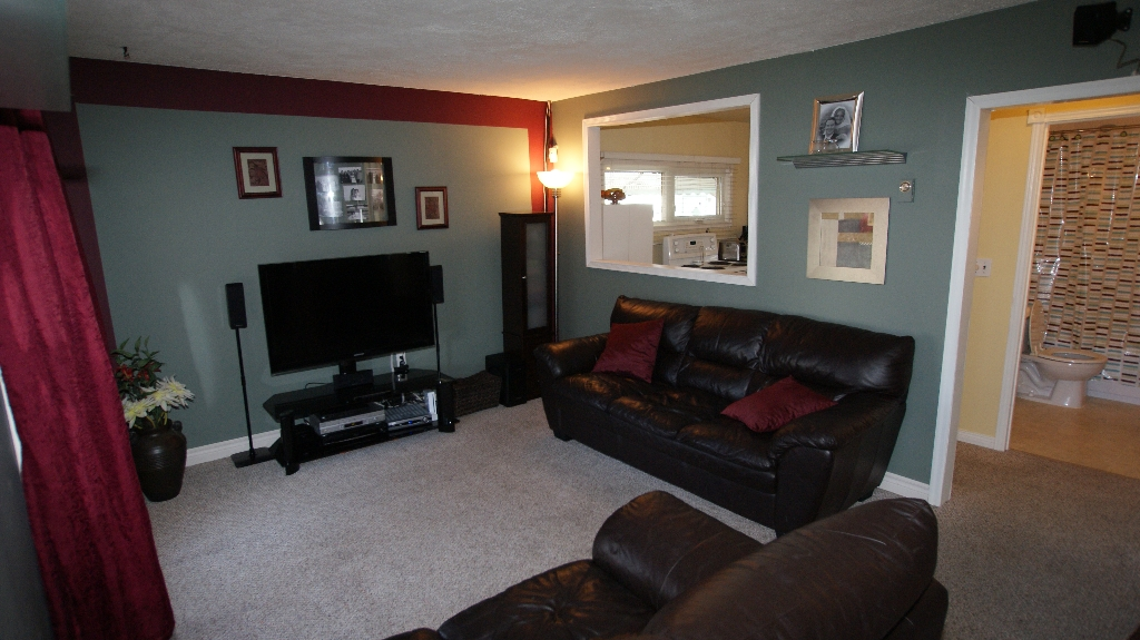 Photo 3: 1041 Redwood Avenue in Winnipeg: North End Residential for sale (North West Winnipeg)