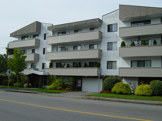 Main Photo: 111 9175 Mary Street in Chilliwack: Condo for sale : MLS® # H1200015