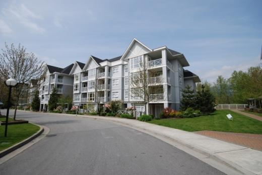 "Main Photo: # 408 3142 ST JOHNS ST in Port Moody: Port Moody Centre Condo for sale in ""SONRISA"" : MLS® # V890211"