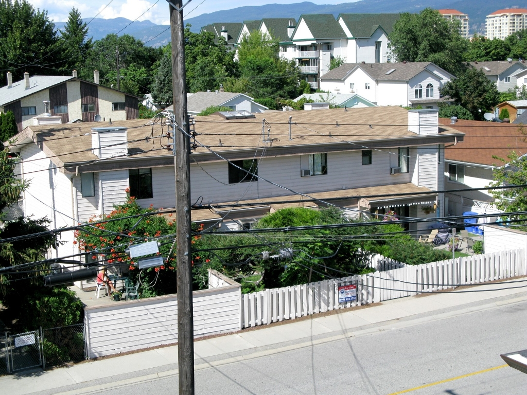 Photo 6: 585 W Wade in Penticton: Commercial for sale (Main North)  : MLS(r) # 110732 and 110733