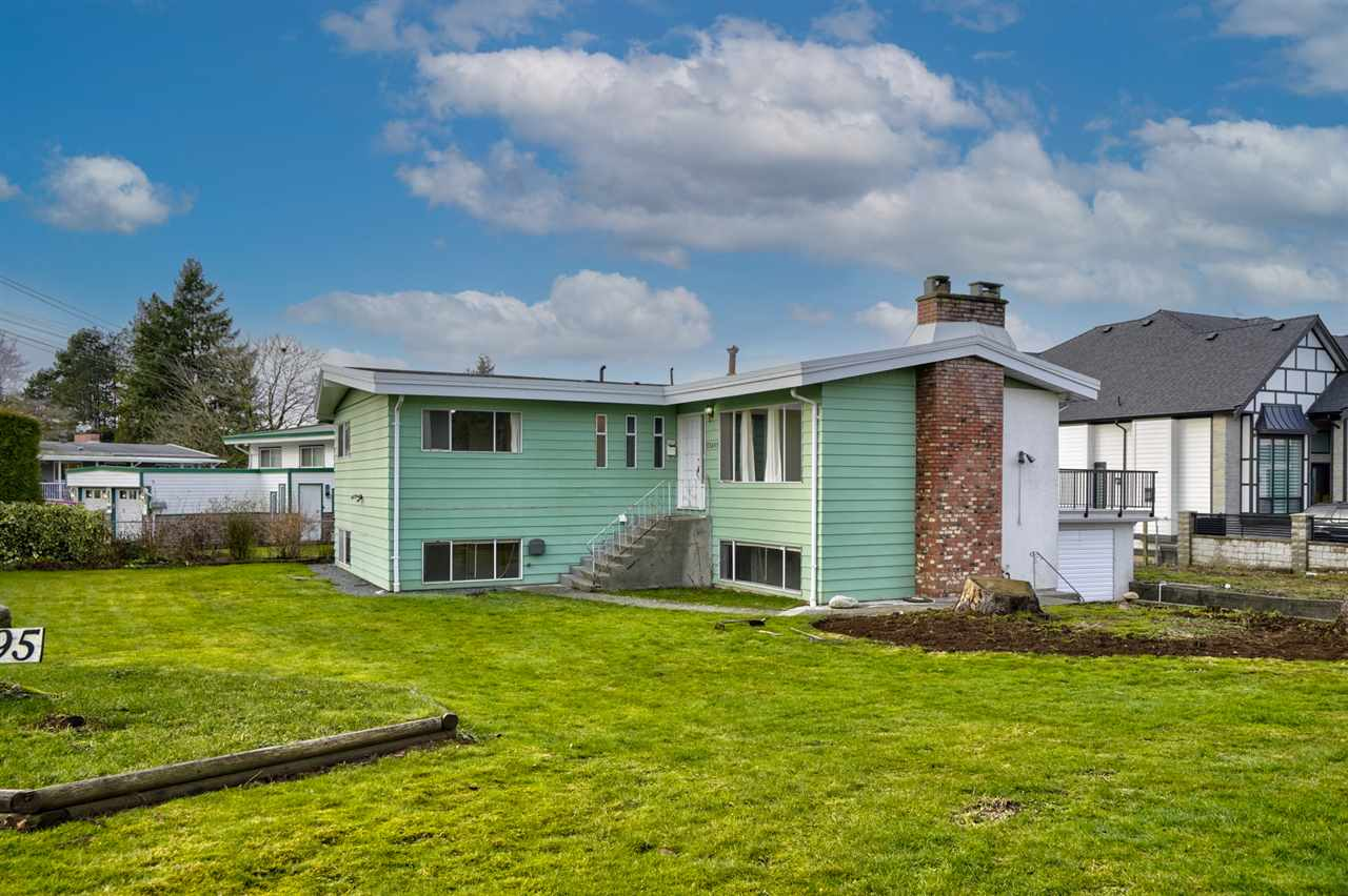 FEATURED LISTING: 33495 HUGGINS Avenue Abbotsford