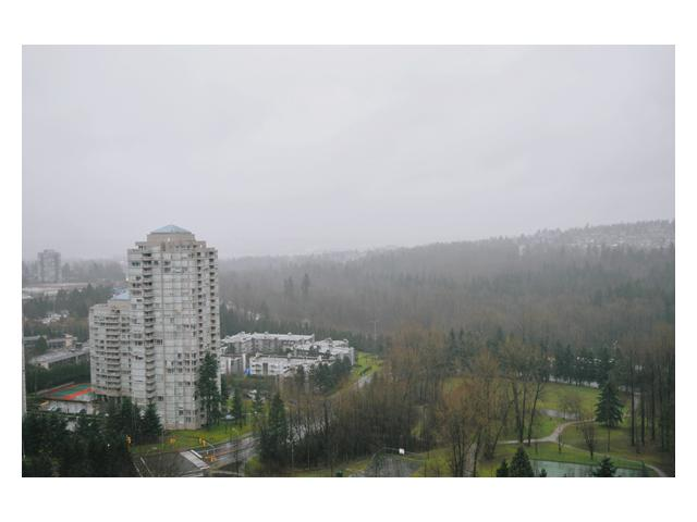 "Photo 9: # 2204 3970 CARRIGAN CT in Burnaby: Government Road Condo for sale in ""DISCOVER PLACE"" (Burnaby North)  : MLS® # V861085"