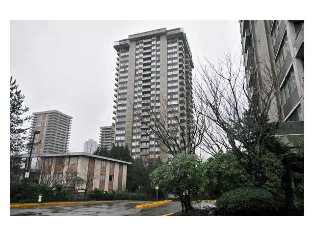 "Photo 8: # 2204 3970 CARRIGAN CT in Burnaby: Government Road Condo for sale in ""DISCOVER PLACE"" (Burnaby North)  : MLS® # V861085"