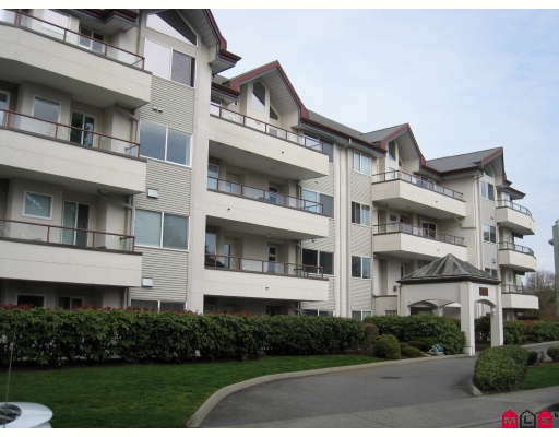 "Main Photo: 305 2526 LAKEVIEW Crescent in Abbotsford: Central Abbotsford Condo for sale in ""Millspring Manor"" : MLS® # F2810701"