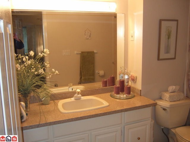 "Photo 3: # 306 1341 FOSTER ST: White Rock Condo for sale in ""CYPRUS MANOR"" (South Surrey White Rock)  : MLS(r) # F1102050"