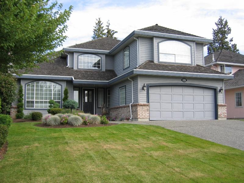 "Photo 1:  in Surrey: Panorama Ridge House for sale in ""Boundary Park"" : MLS(r) # F2722878"