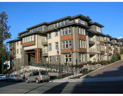 "Main Photo: 301 188 W 29TH Street in North_Vancouver: Upper Lonsdale Condo for sale in ""VISTA 29"" (North Vancouver)  : MLS® # V683782"