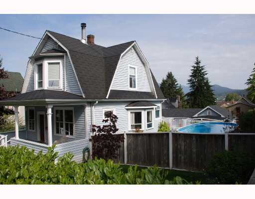 Main Photo: 2610 HENRY Street in Port_Moody: Port Moody Centre House for sale (Port Moody)  : MLS® # V710386