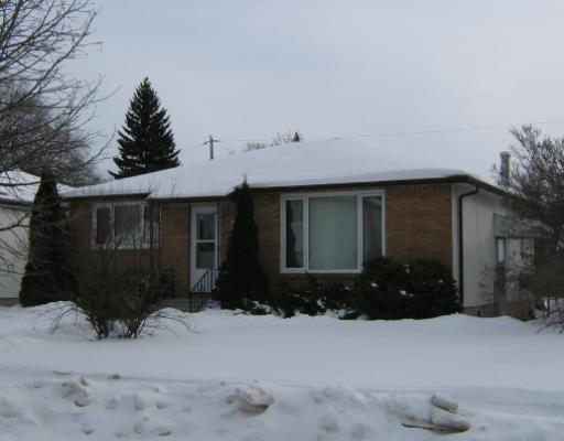 Main Photo: 54 AVONDALE Road in WINNIPEG: St Vital Residential for sale (South East Winnipeg)  : MLS(r) # 2801074
