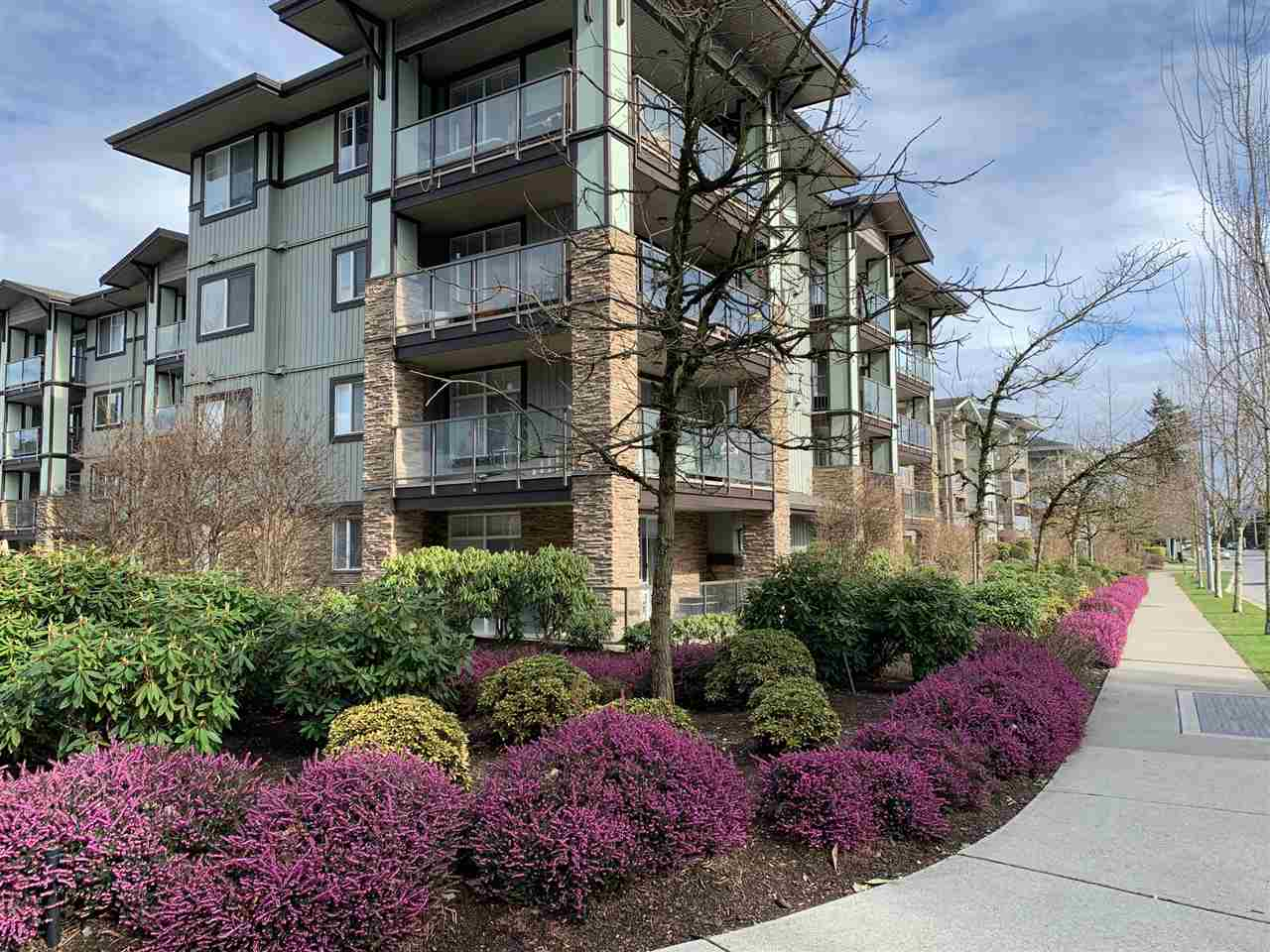 FEATURED LISTING: 111 2038 SANDALWOOD Crescent Abbotsford