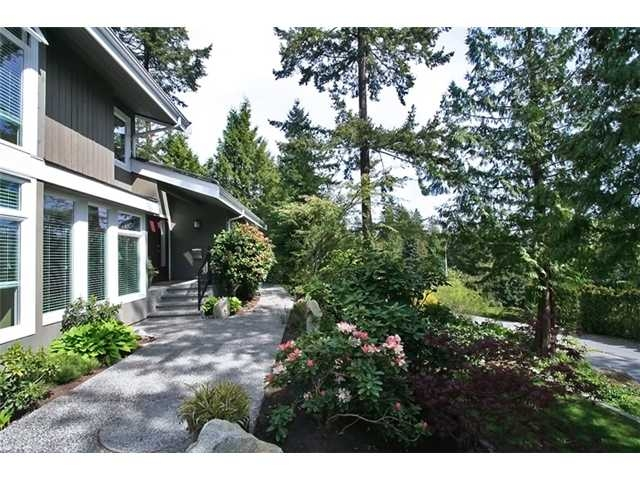 Main Photo: 4643 Caulfeild Drive in West Vancouver: House  : MLS®# V822278